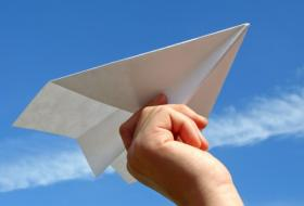 Tuesday April 21st at 11am Join a glider expert to learn how to make the perfect paper airplane – then learn how to keep it gliding for minutes at a time just by using simple aerodynamics! A perfect program for kids with basic paper folding skills (or a helper!)